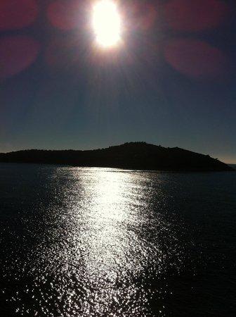 Hotel Excelsior Dubrovnik: Lokrum Island view from Bedroom Terrace