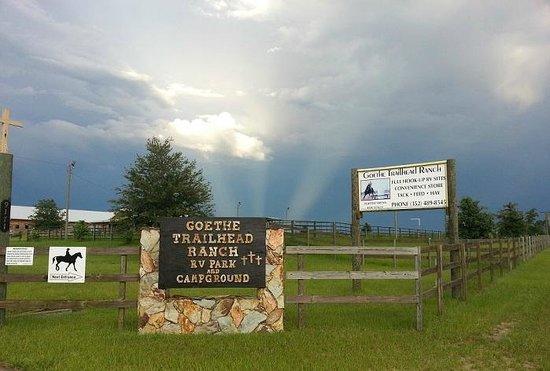 Goethe Trailhead Ranch: Entrance