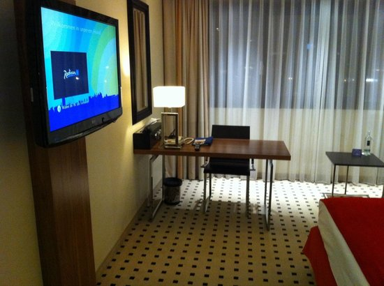 Radisson Blu Scandinavia Hotel, Düsseldorf: Zimmer