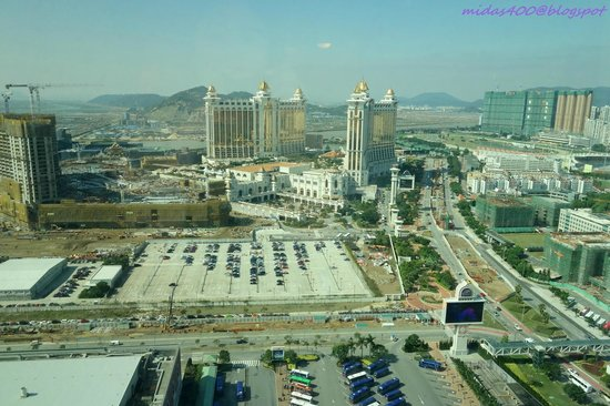 The Venetian Macao Resort Hotel : view during the day