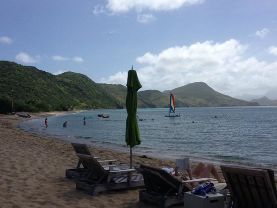 Carambola Beach Club: Looking out on there beach