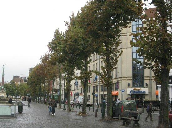 Citadines Sainte-Catherine Brussels: Building Exterior + St Catherine Plaza