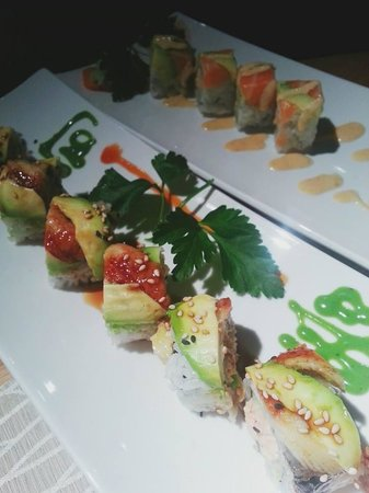Mao : Dragon and Kani rolls