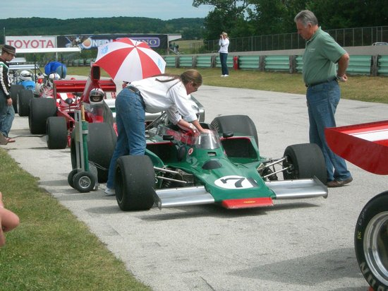 Road America: Cars waiting on the grid