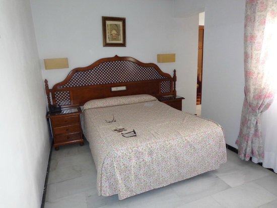 Los Omeyas Hotel : номер