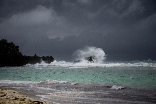 Bananarama Beach and Dive Resort: Stormy Day2