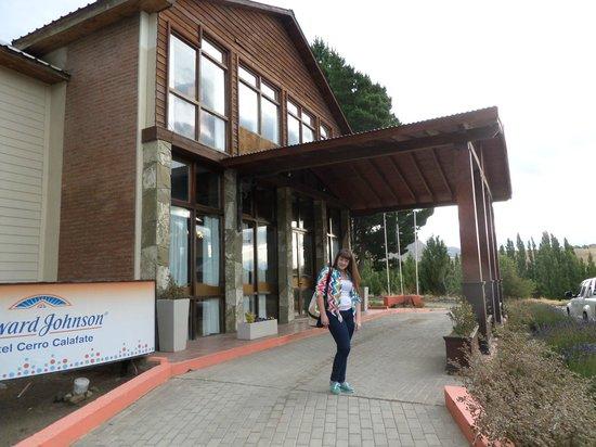 Kalenshen Hotel - Cerro Calafate: entrada del hotel