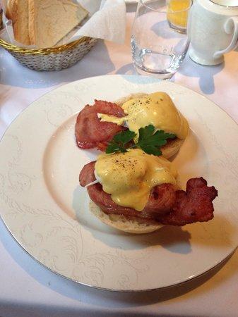 Draycott Hotel: Egg's benedict