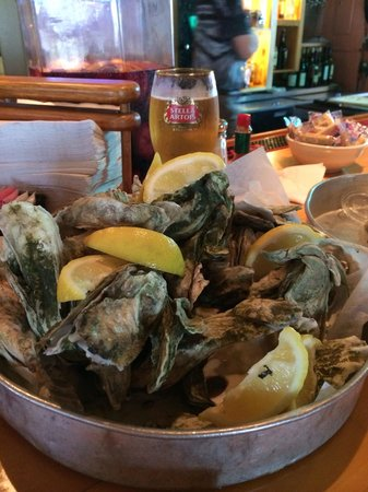 South Beach Grill: Oysters and Stella