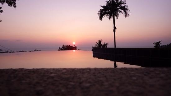 The Place Luxury Boutique Villas: Just one of many beautiful sunsets at The Place