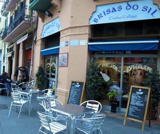 Brisas Dosil: Terraza soleada en Plaza Navas