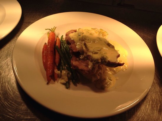 Anglers Arms: Pork loin steak with a creamed leek sauce, mustard mash and baby veg