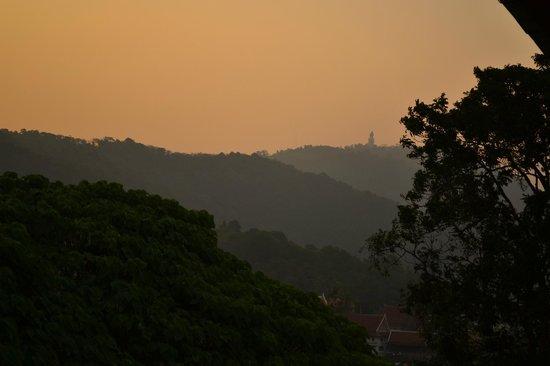 BEST WESTERN Phuket Ocean Resort: On sunrise...