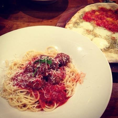 Olive Restaurant & Bar: Spaghetti & Meatballs