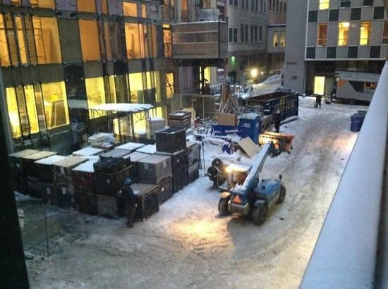 Embassy Suites by Hilton Montreal: horrible noise from construction in front of my room window