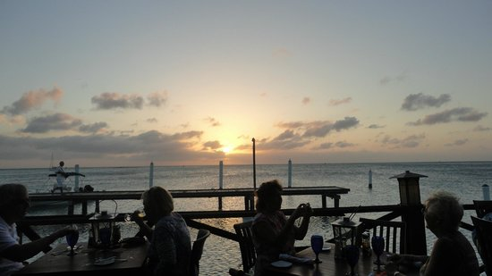 Pinchos Grill & Bar : Sunset