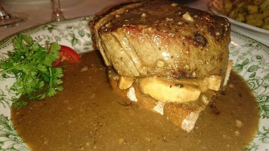 Le petit Bergerac: Sirloin with foie gras