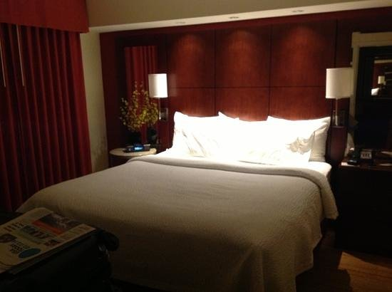 Residence Inn Burlington Colchester: king size bed