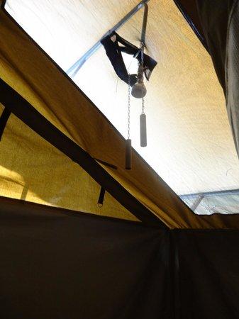 Kati Kati Tented Camp: Bucket shower