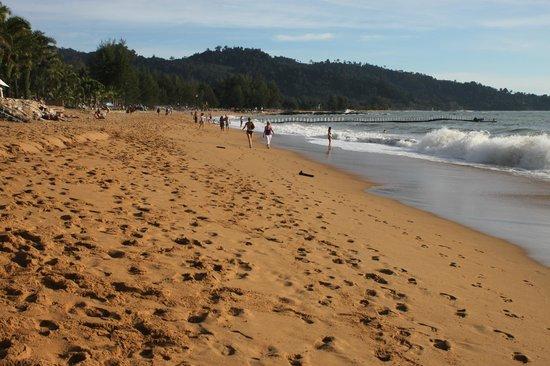 """Mukdara Beach Villa and Spa Resort: Bang Niang Beach in front of the """"Mukdara Resort"""""""
