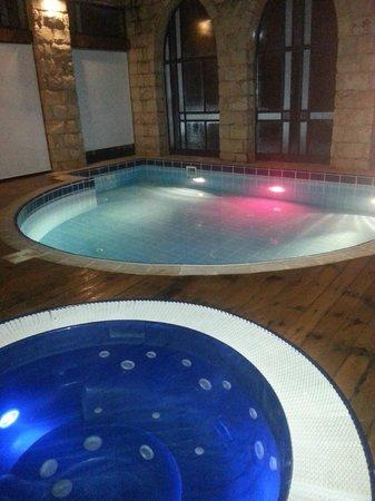 Hamakom Suites: The privet pool + hot tub - in hous !!!