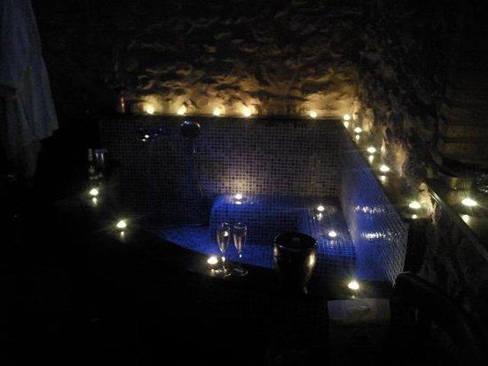 Casona Camino De Hoz: Sorpresa romantica en la habitacion
