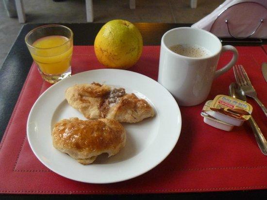 Circus Hostel & Hotel: Desayuno