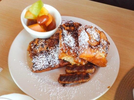 Dancing Moose Cafe: Cinnamon bun french toast - yummy...