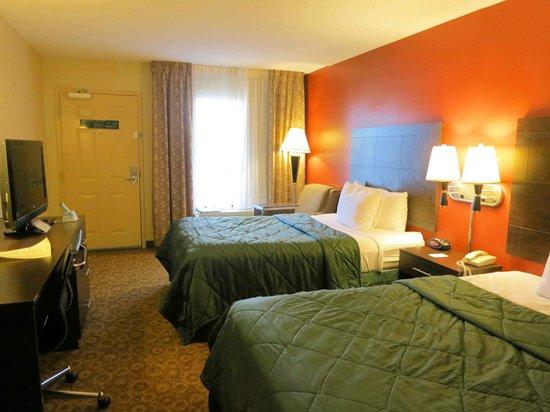 Rodeway Inn & Suites North : Room 221 - very nice