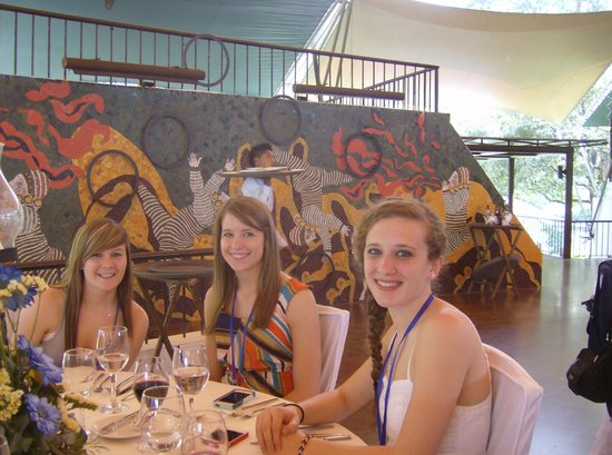Casa Santo Domingo: beautiful mural in the hilltop dining area