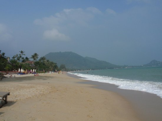 Lamai beach looking from South to North, January