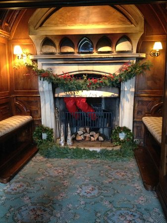 Ashford Castle: Santa's stuck in the chimney!