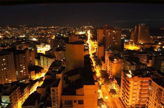Everest Porto Alegre Hotel: Vista do Restaurante