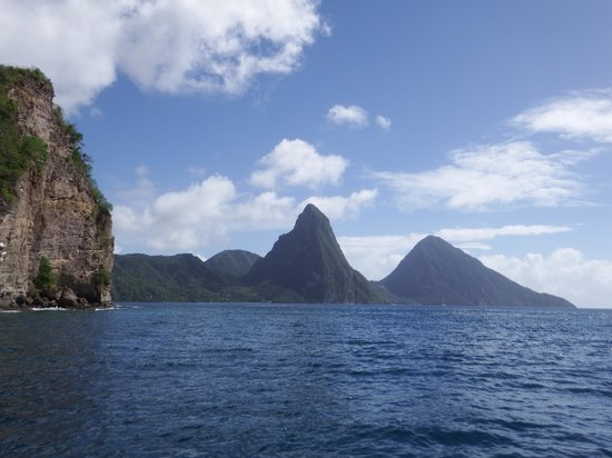 Dolphin Dive Adventure: Piton Mts