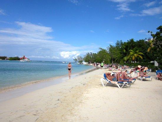 Hotel Riu Montego Bay: Beach @ Montego Bay