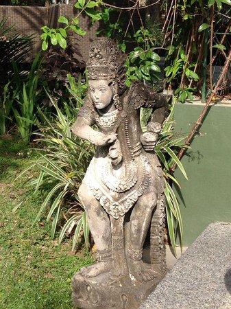 Segara Village Hotel: Garden decoration