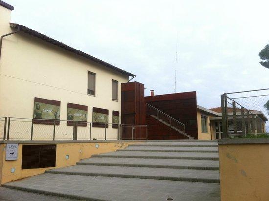 MuMeLoc - Museo della Memoria Locale : Piazzetta con l'ingresso del MuMeLoc