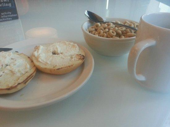 Hostelling International - Boston: Café da manhã do hostel