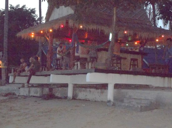 Coco Garden Resort: Beach Bar