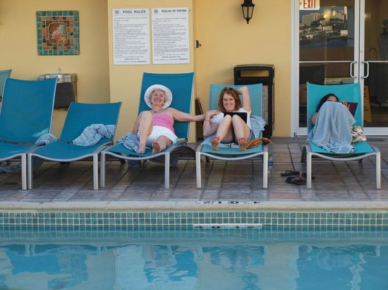 Sheraton Old San Juan Hotel: Poolside on the roof