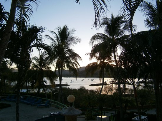 Flamingo Marina Resort: Amanacer en Marina Flamingo