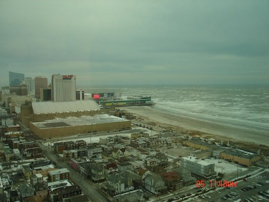 Tropicana Atlantic City : Out of 62nd floor across is Trump Tower & beach
