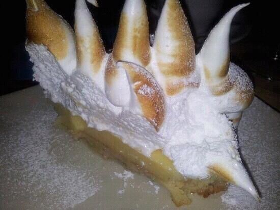 La Chirusa: the delicious to die for lemon merengue cake