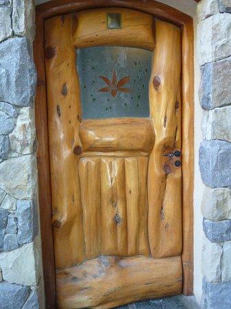 Lirolay Suites: Puerta