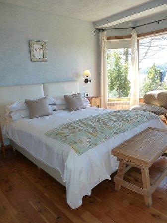 Lirolay Suites: Habitaciòn principal
