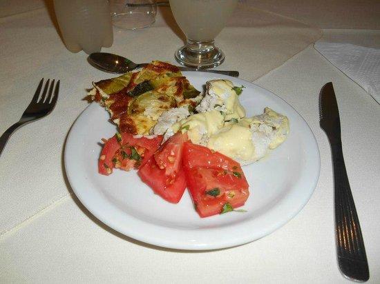Hotel Alt Interlaken: comedor, entrada variada.