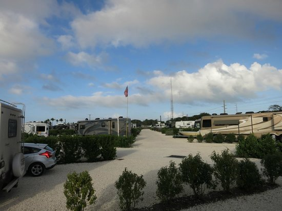 Point of View Key Largo RV Resort : view from rv to other lots