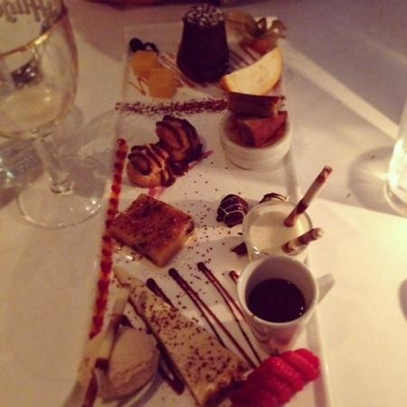 Mirabelle Restaurant: Assiette of minature desserts - amazing!