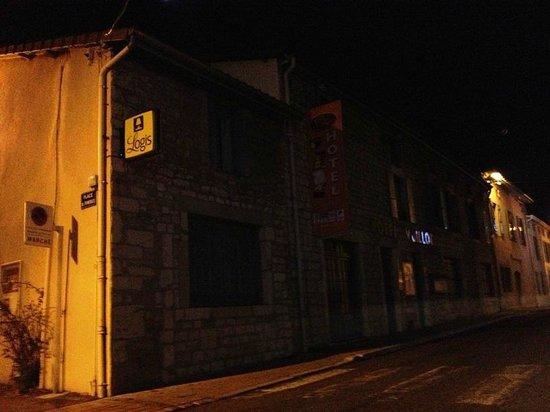 Hotel Vuillot : Client à la rue