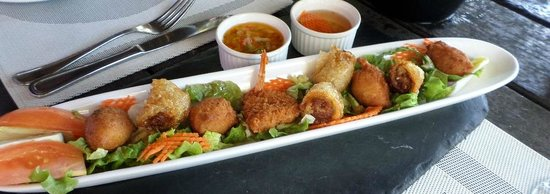 Ma Ti Beach Bar & Restaurant: assortment of shrimp,fritters